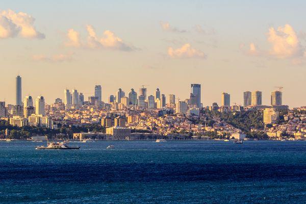 Thumb_modern_istanbul_skyline