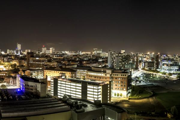 Thumb_light_night_over_leeds__taken_by_flickr_user_9th_october_2013_
